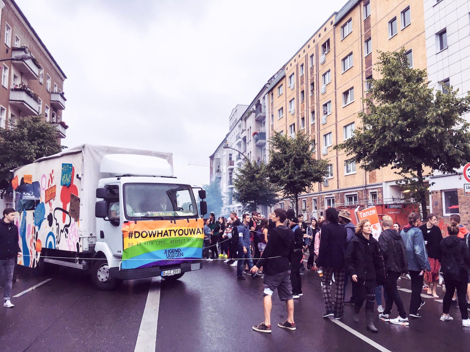 Zug der Liebe street festival Berlin