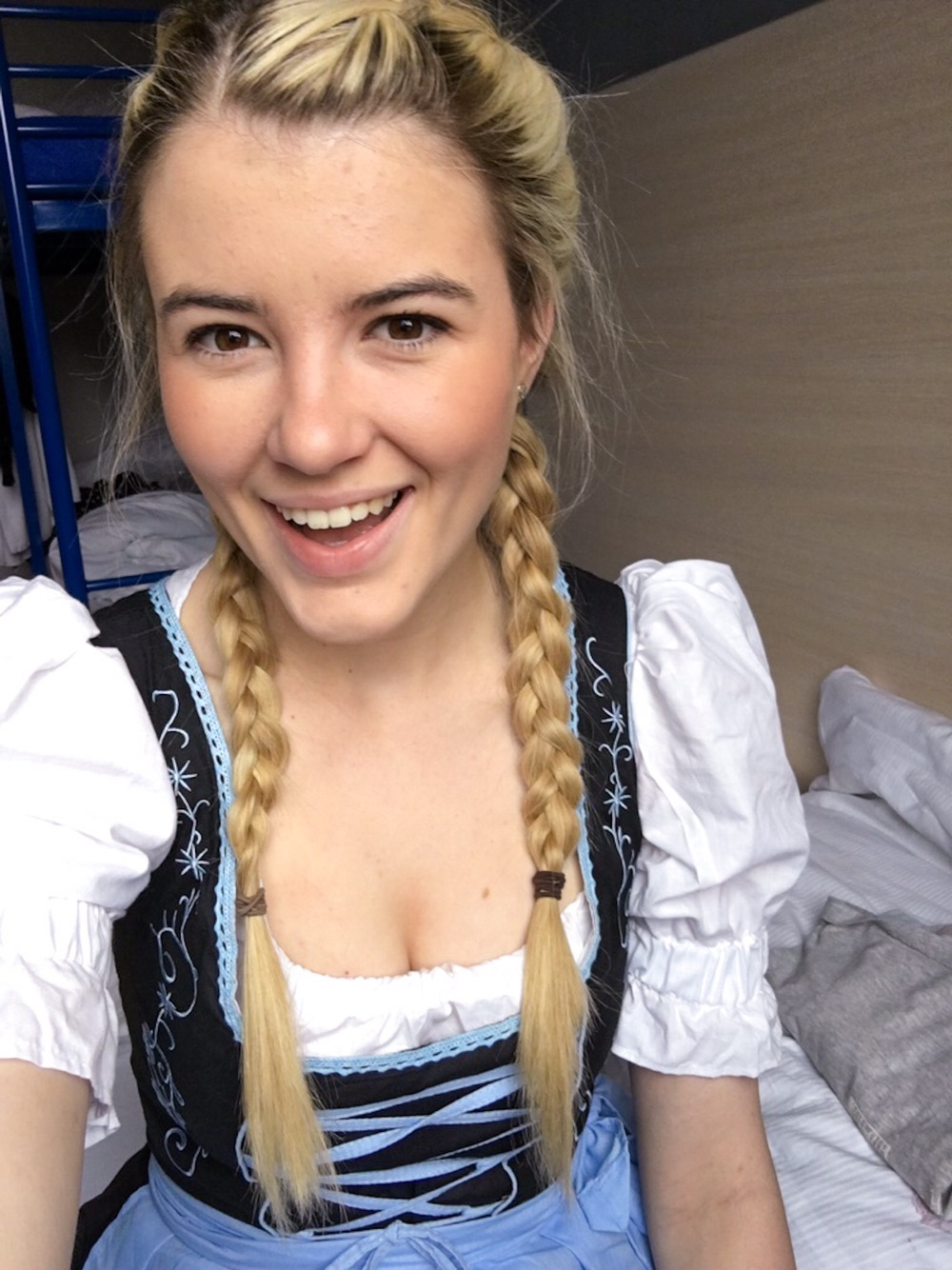 Hair, makeup and dirndl for Oktoberfest