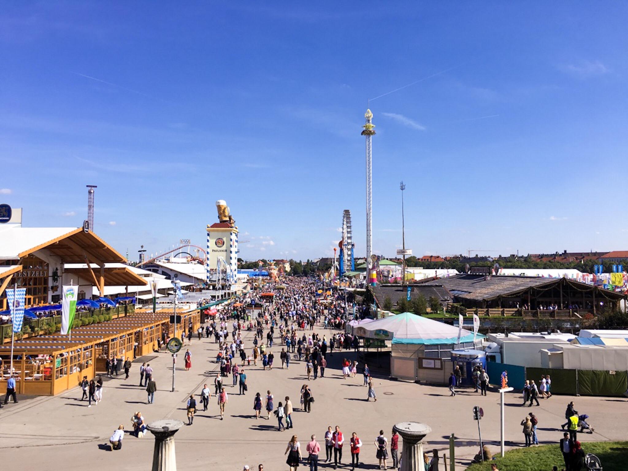 Sunny days at Oktoberfest Munich & Top 5 tents at Oktoberfest. \u2013 ellekirks